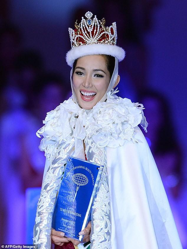 Cựu Hoa hậu Quốc tế suy thận nặng tới mức cầu cứu được phẫu thuật, lý do cô bị bệnh sẽ làm dân tập gym bàng hoàng! - Ảnh 2.
