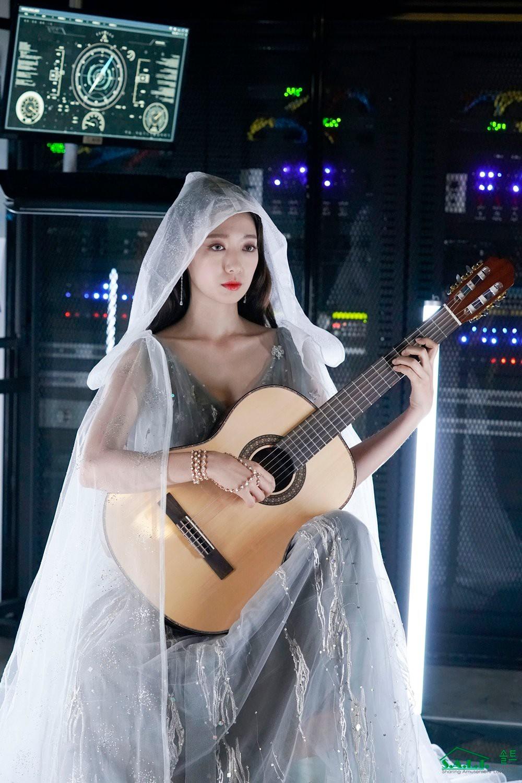 Trở lại với nhan sắc đỉnh cao, Park Shin Hye gây sốt vì đẹp như nữ thần bước ra từ truyện thần thoại ở hậu trường - Ảnh 10.