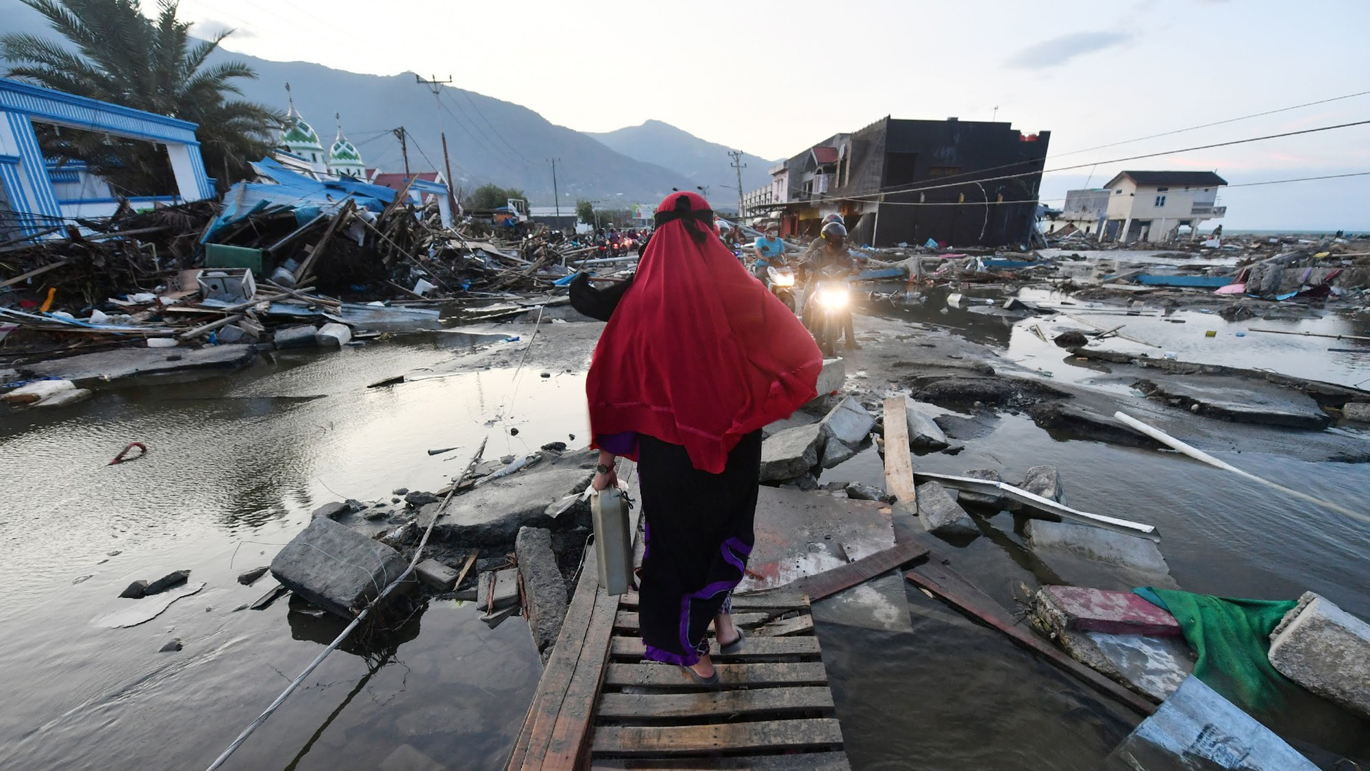 2018 của Indonesia: Quá nhiều tang thương và mất mát - Ảnh 2.