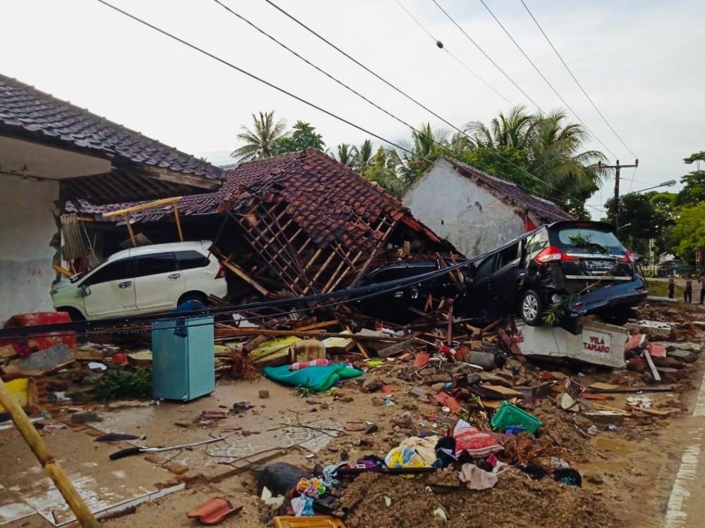 Quan chức Indonesia tiết lộ gây sốc sau thảm họa sóng thần - Ảnh 1.