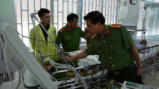 Trung tá công an bị đâm tử vong sống trong ngôi nhà cấp 4 vài chục m2 - Ảnh 3.