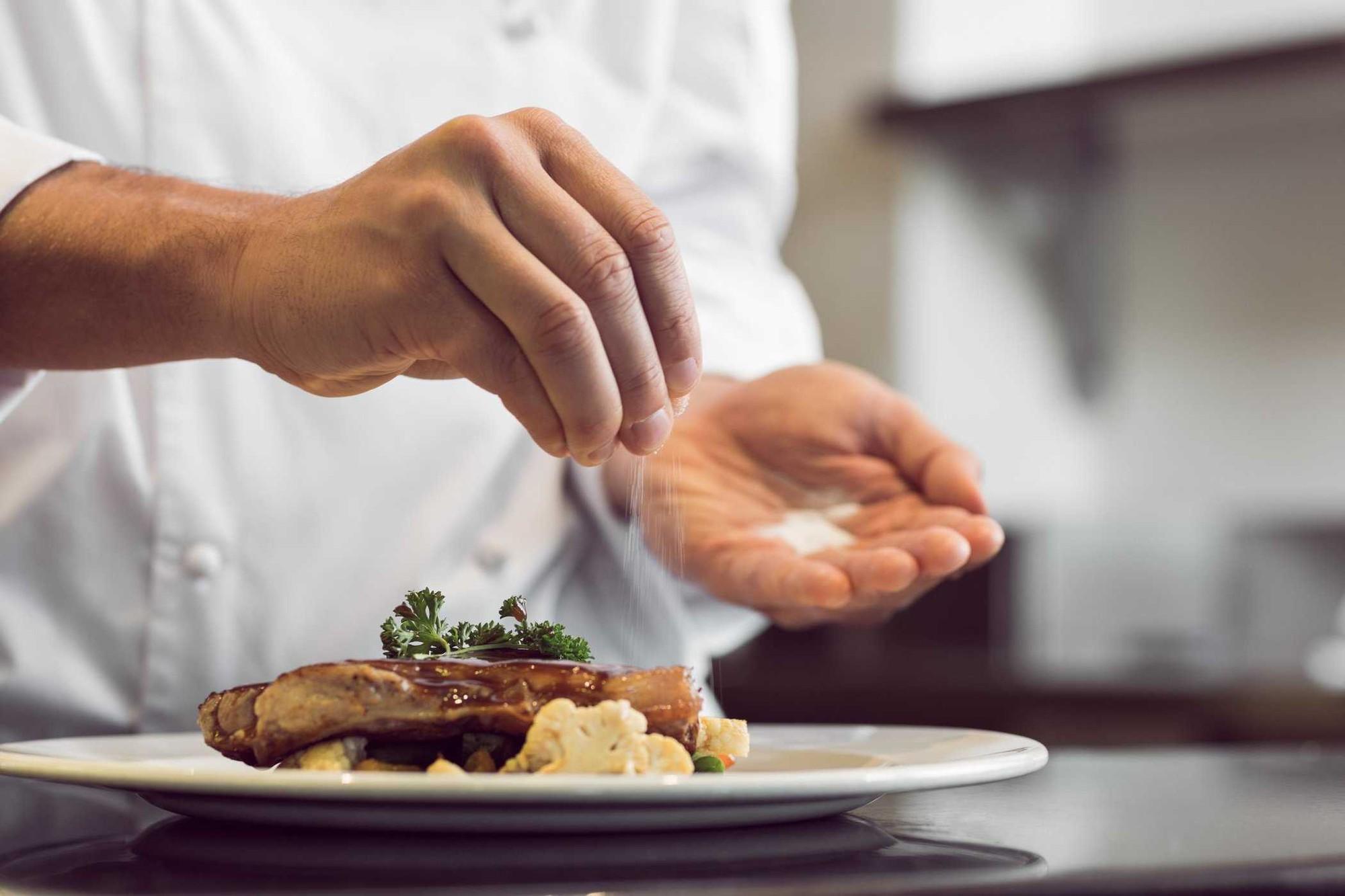 5 lưu ý nhỏ trong việc ăn uống giúp bạn giảm bớt được mỡ thừa ở vòng 2 - Ảnh 1.