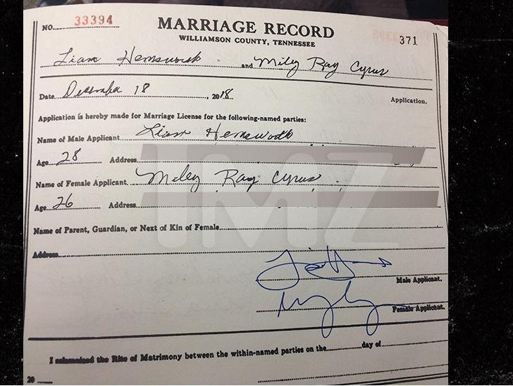 Hé lộ thêm ảnh Miley Cyrus diện váy cưới lộng lẫy và nhiều chi tiết gây bất ngờ về hôn lễ - Ảnh 4.