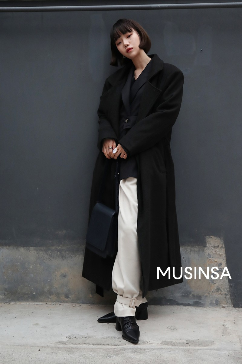 """Street style đại hàn của giới trẻ Hàn Quốc: rét đến mấy cũng có cách mặc """"chất"""" mà vẫn đảm bảo ấm - Ảnh 10."""