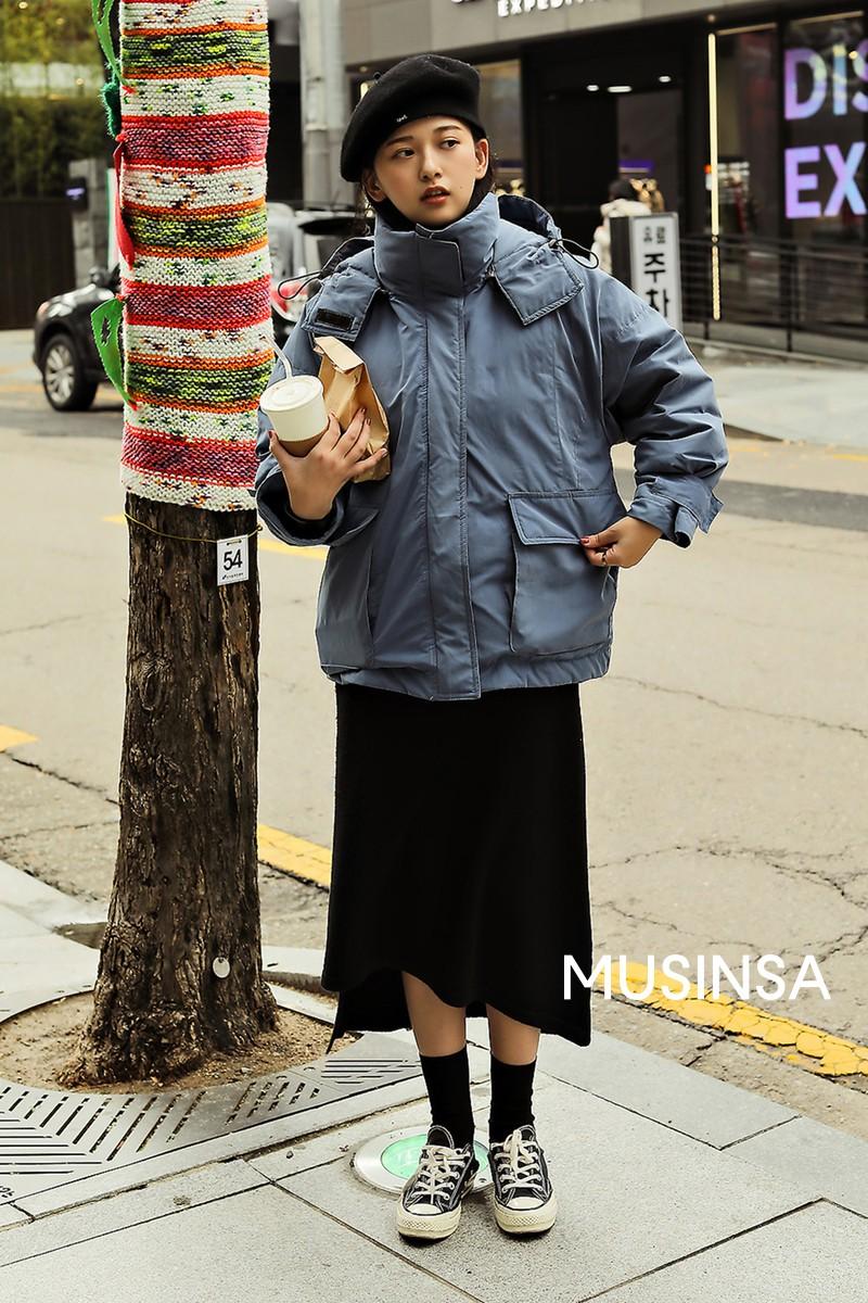 """Street style đại hàn của giới trẻ Hàn Quốc: rét đến mấy cũng có cách mặc """"chất"""" mà vẫn đảm bảo ấm - Ảnh 2."""