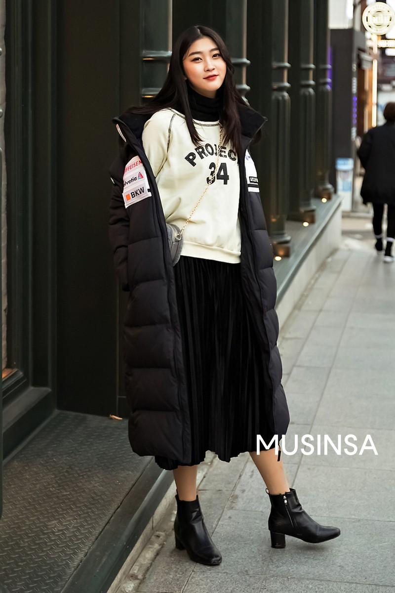 """Street style đại hàn của giới trẻ Hàn Quốc: rét đến mấy cũng có cách mặc """"chất"""" mà vẫn đảm bảo ấm - Ảnh 4."""