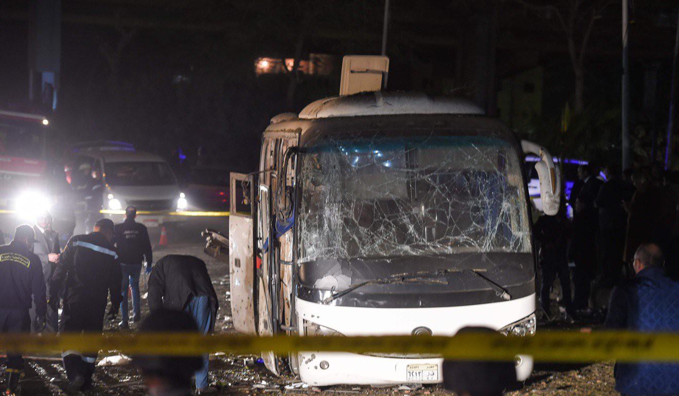 Xe chở du khách Việt Nam bị đánh bom tại Ai Cập khiến 4 người chết, hơn 10 người bị thương - Ảnh 4.