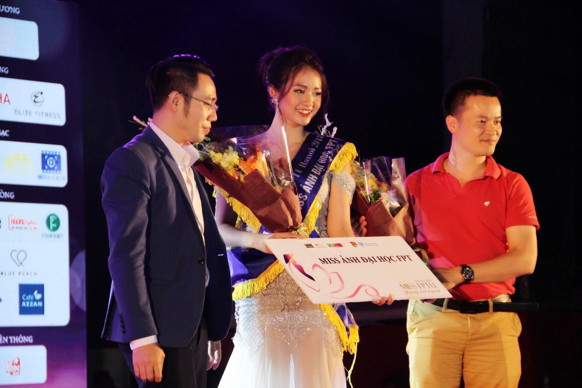 """Nhan sắc đời thường """"đốt mắt"""" của tân hoa khôi """"ẵm"""" một lúc 3 giải trong cuộc thi Miss FPTU - Ảnh 1."""