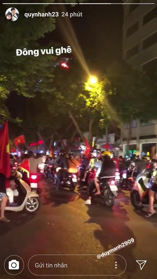 Bạn gái tin đồn của thủ môn Bùi Tiến Dũng đăng ảnh đi xem ĐT Việt Nam và đây là điều người ta phát hiện - Ảnh 4.