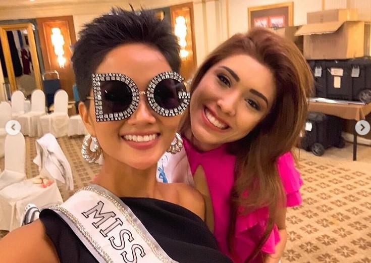 Sức công phá những ngày đầu của HHen Niê tại Miss Universe 2018: Một ngày thay 4 bộ váy, nhẵn mặt trong các BXH uy tín - Ảnh 2.