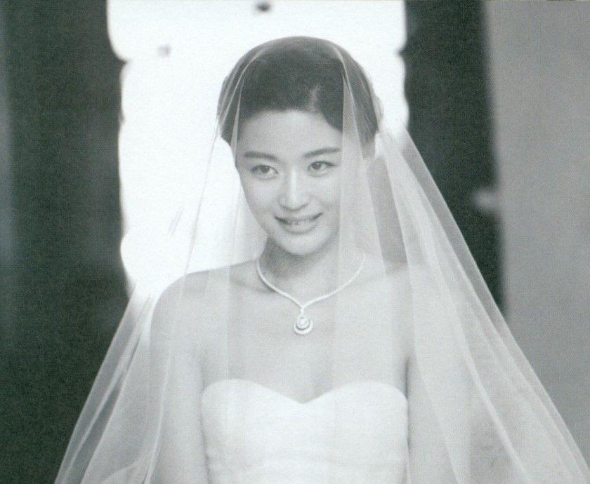 Ảnh cưới của mợ chảnh Jeon Ji Hyun gây sốt sau 6 năm: Huyền thoại nhan sắc đỉnh nhất Kbiz là đây! - Ảnh 10.