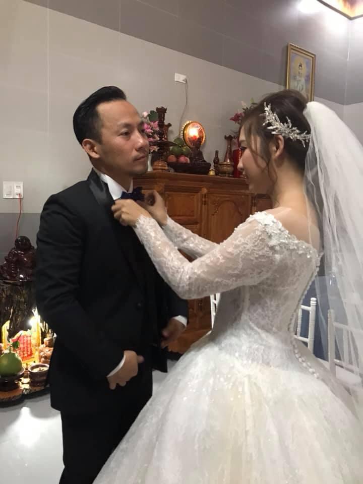 Loạt khoảnh khắc hiếm hoi trong ngày cưới của Tiến Đạt và bà xã 9x cuối cùng đã được hé lộ - Ảnh 2.