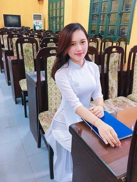 Những cô giáo 9x xinh đẹp, nhan sắc như hotgirl gây sốt cộng đồng mạng năm 2018 - Ảnh 6.