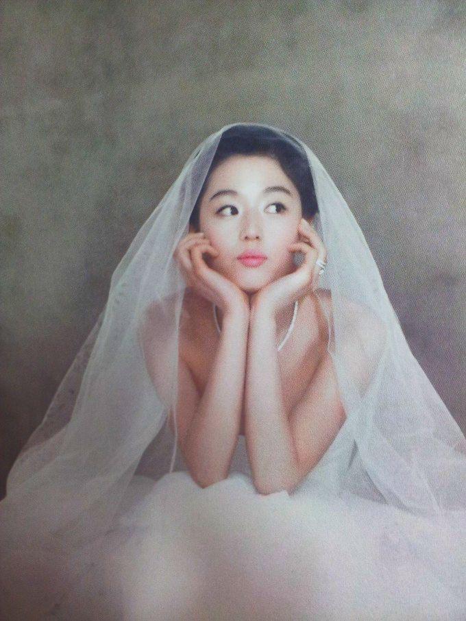 Ảnh cưới của mợ chảnh Jeon Ji Hyun gây sốt sau 6 năm: Huyền thoại nhan sắc đỉnh nhất Kbiz là đây! - Ảnh 13.