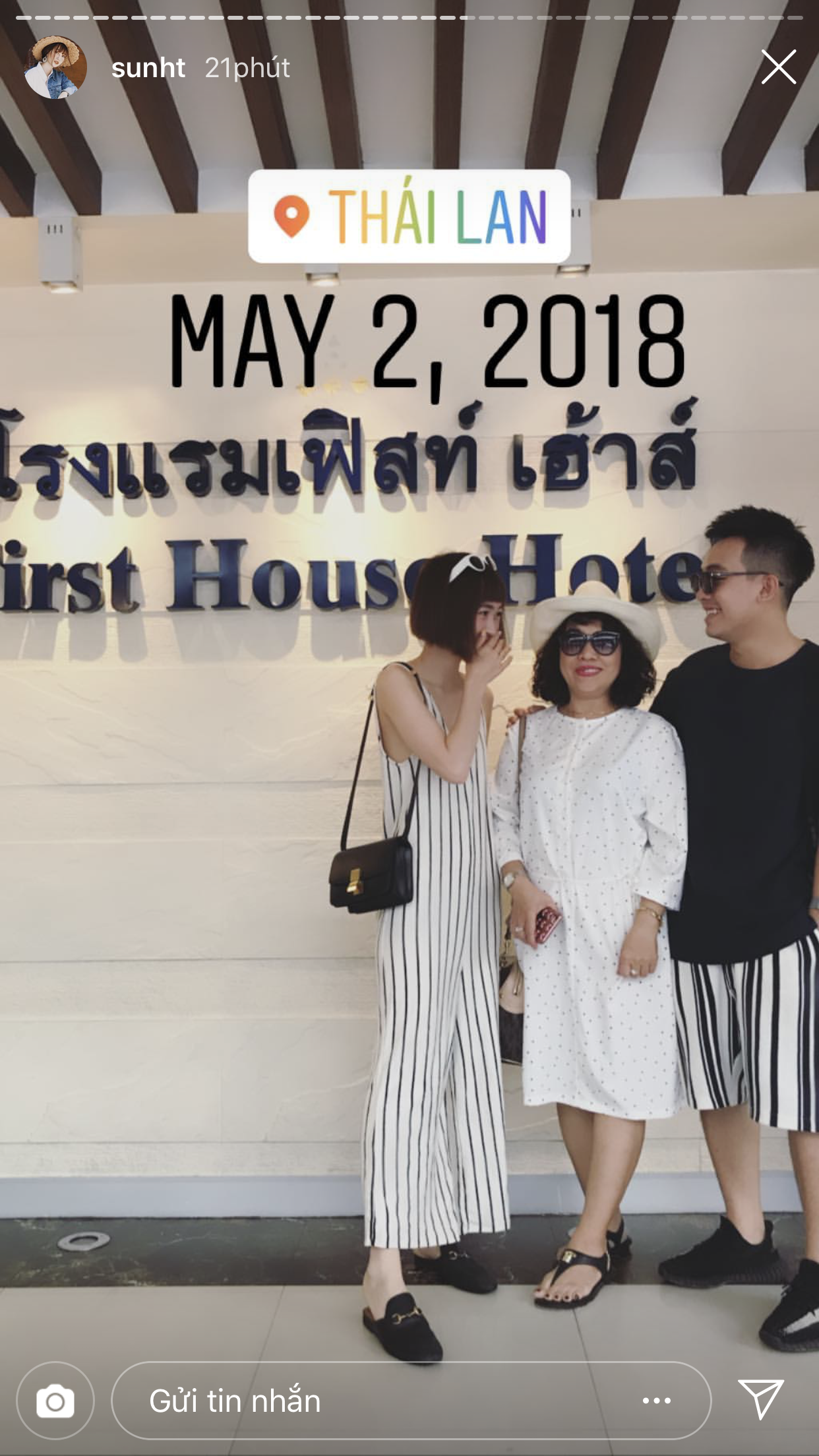 Hot girl Việt biến story Instagram thành bản tổng kết năm: Người vi vu khắp thế giới, người được cầu hôn - Ảnh 8.