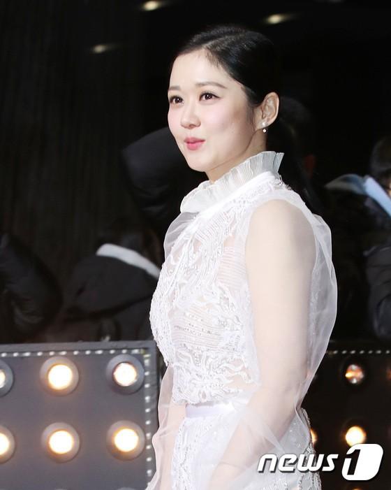 Thảm đỏ SBS Drama Awards: Jang Nara tăng cân vẫn quá đẹp, nàng Kim Sam Soon đọ body nóng bỏng bên loạt minh tinh - Ảnh 3.