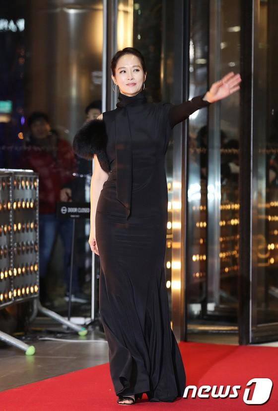 Thảm đỏ SBS Drama Awards: Jang Nara tăng cân vẫn quá đẹp, nàng Kim Sam Soon đọ body nóng bỏng bên loạt minh tinh - Ảnh 8.