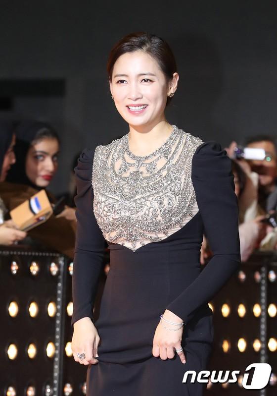 Thảm đỏ SBS Drama Awards: Jang Nara tăng cân vẫn quá đẹp, nàng Kim Sam Soon đọ body nóng bỏng bên loạt minh tinh - Ảnh 18.