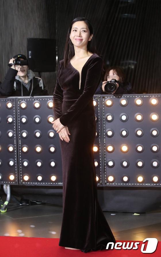 Thảm đỏ SBS Drama Awards: Jang Nara tăng cân vẫn quá đẹp, nàng Kim Sam Soon đọ body nóng bỏng bên loạt minh tinh - Ảnh 10.