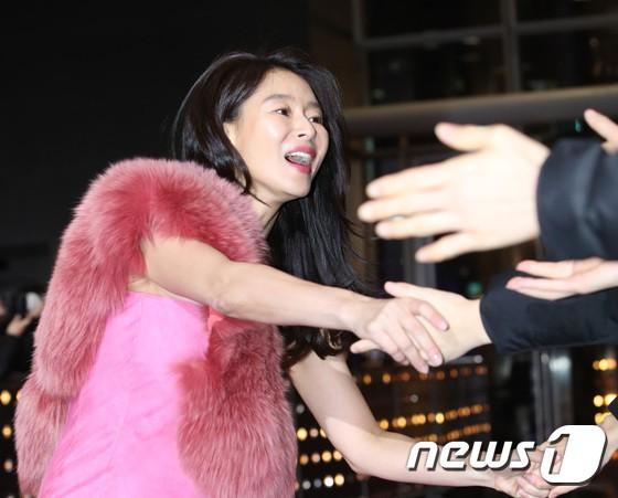 Thảm đỏ SBS Drama Awards: Jang Nara tăng cân vẫn quá đẹp, nàng Kim Sam Soon đọ body nóng bỏng bên loạt minh tinh - Ảnh 34.