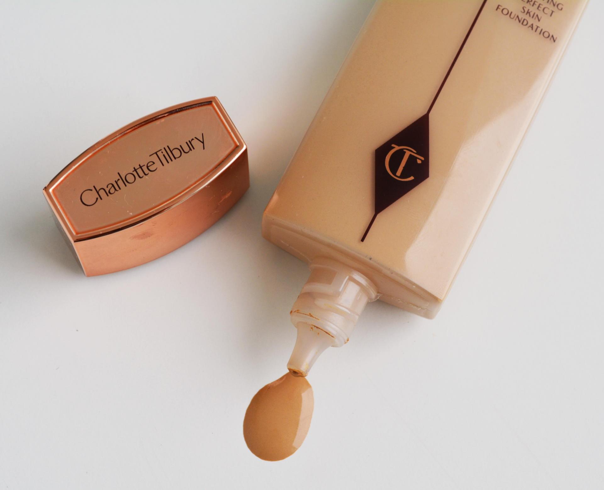 11 lọ kem nền này không chỉ mang đến làn da hoàn hảo mà còn tự nhiên như da đẹp sẵn, được các beauty editor coi như bảo bối - Ảnh 1.