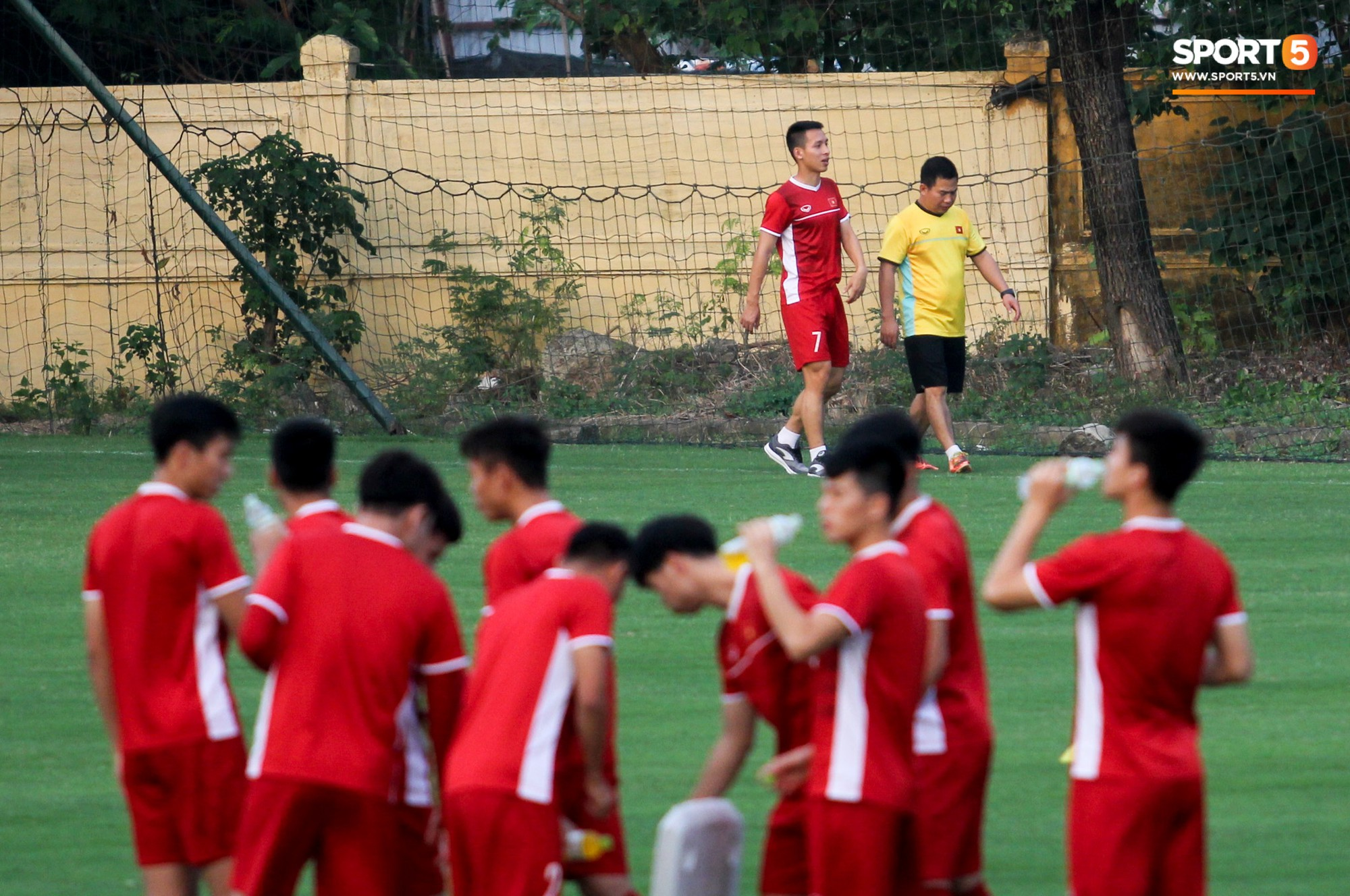 Hùng Dũng chấn thương, Xuân Trường có cơ hội đá chính ở AFF Cup 2018 - Ảnh 1.