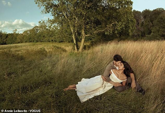 Nick Jonas và Hoa hậu Thế giới xuất hiện tình tứ tại sân bay sau đám cưới thế kỷ hoành tráng - Ảnh 12.