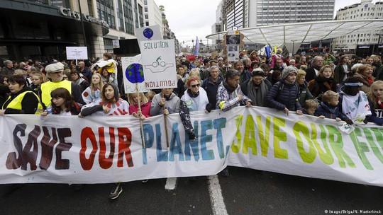 Trái đất bên bờ vực thảm họa khí hậu - Ảnh 1.