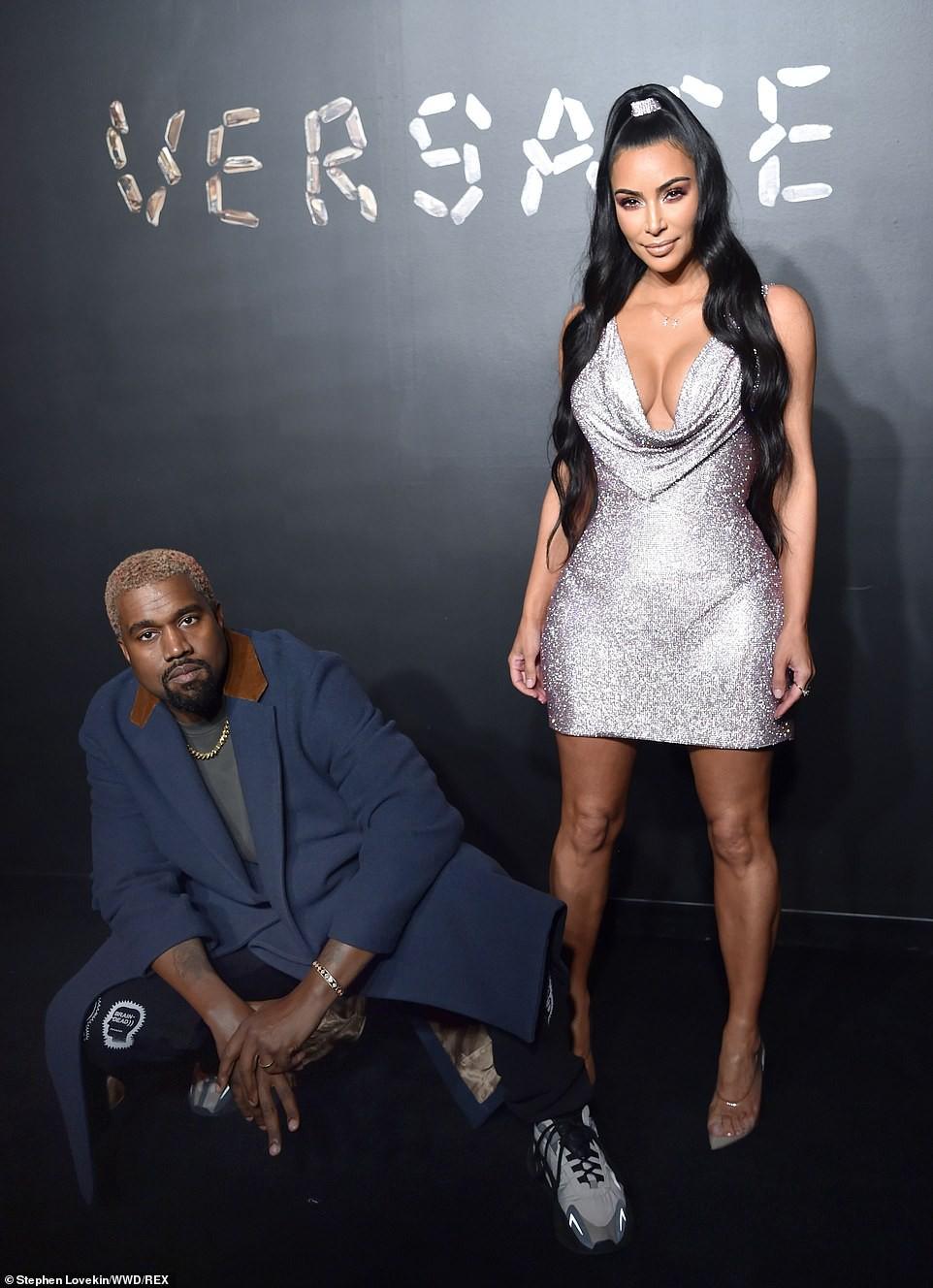 Kim Kardashian hút triệu like với ảnh gần như nude khoe lấp ló vòng 1 nóng bỏng - Ảnh 3.