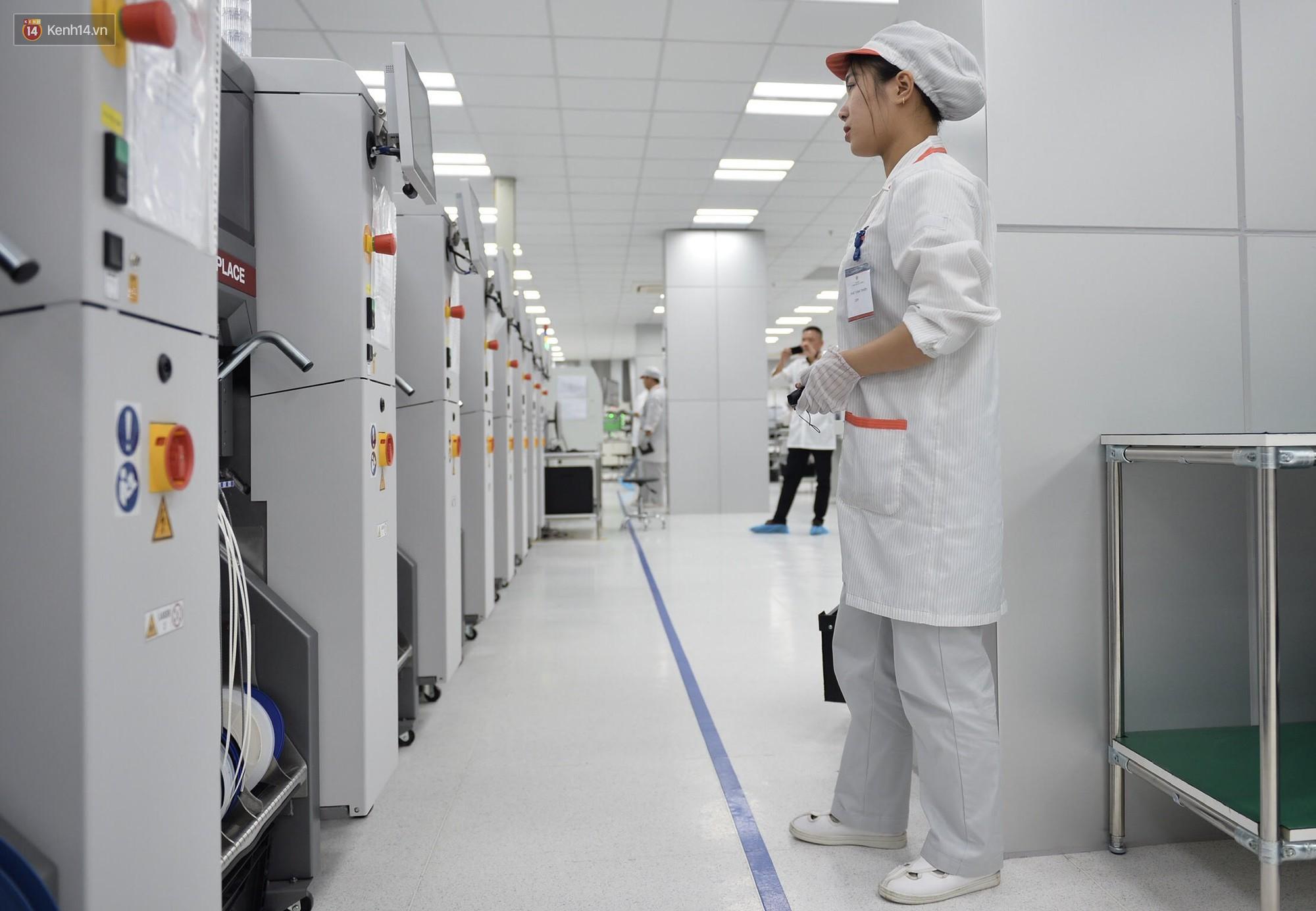 Đến thăm nhà máy sản xuất điện thoại Vsmart của Vingroup: Sang xịn mịn tiêu chuẩn quốc tế thế cơ mà! - Ảnh 7.
