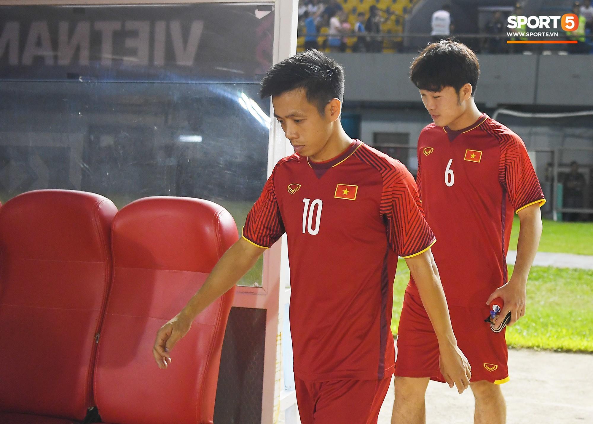 Hùng Dũng chấn thương, Xuân Trường có cơ hội đá chính ở AFF Cup 2018 - Ảnh 2.