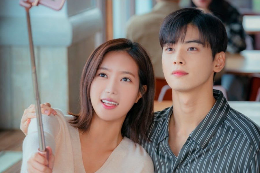 """Nhìn xem phim Hàn 2018 đã cho """"ra mắt chị em"""" bao nhiêu chàng bạn trai trong mơ! - Ảnh 30."""