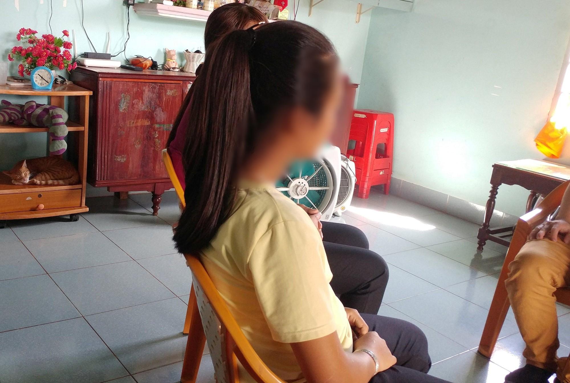 Mẹ bàng hoàng phát hiện con gái lớp 6 mang thai hơn 7 tháng - Ảnh 1.