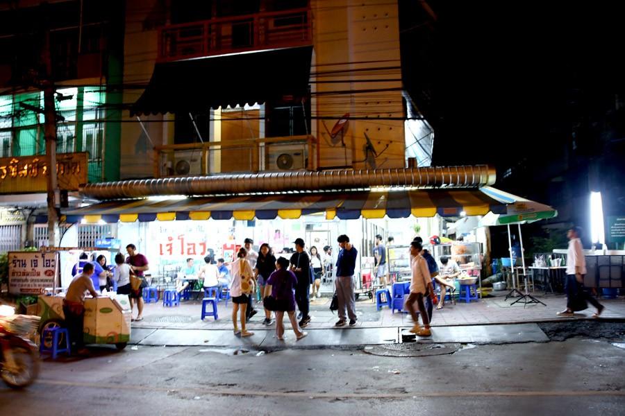 Đi Thái Lan nếu không rảnh thì đừng ghé 4 quán ăn này vì có khi phải ngồi đợi tới vài tiếng mới được ăn - Ảnh 13.