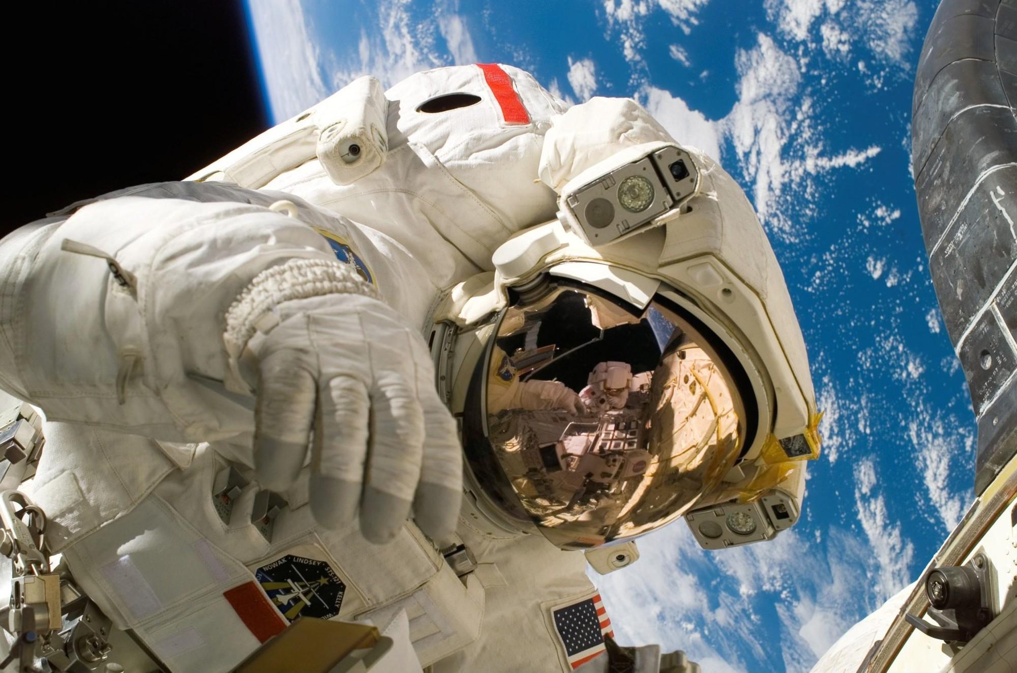 Loạt phản ứng của cơ thể trong môi trường vô trọng lực: Hóa ra, việc sống ở sao Hỏa vẫn còn xa lắm - Ảnh 4.