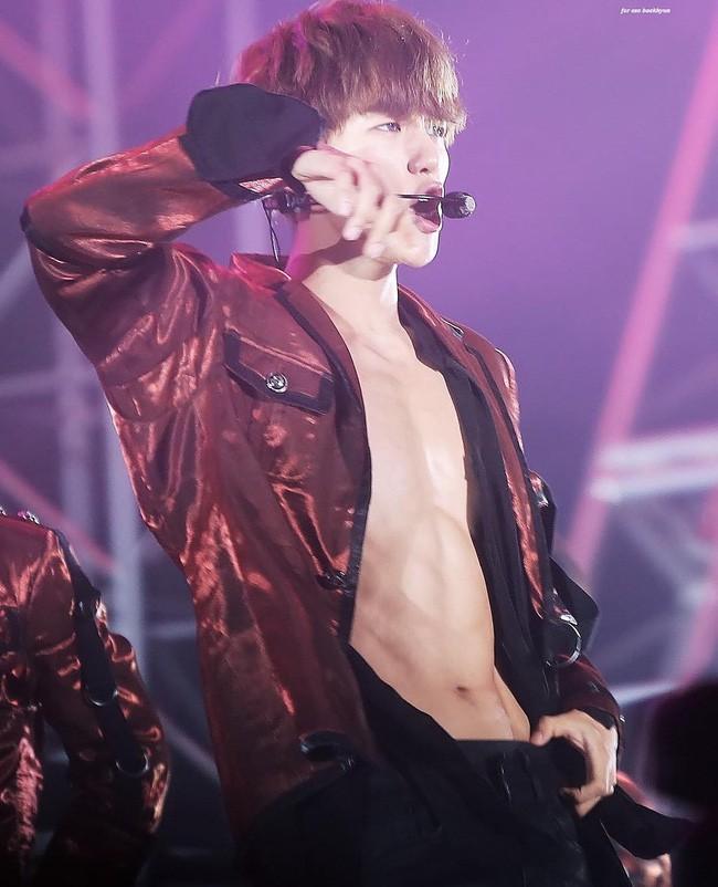 Nhìn những nam idol Kpop một thời mặt búng ra sữa lột xác ngoạn mục, cánh mày râu sẽ có thêm nhiều động lực - Ảnh 23.
