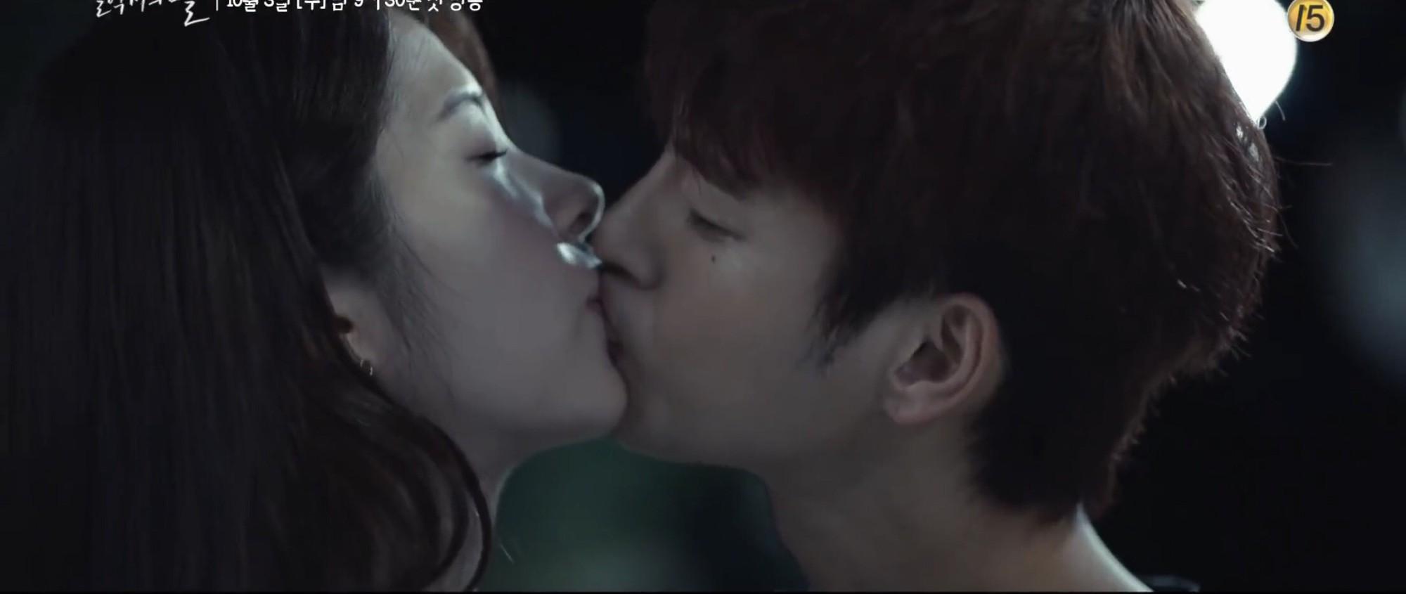 """Nhìn xem phim Hàn 2018 đã cho """"ra mắt chị em"""" bao nhiêu chàng bạn trai trong mơ! - Ảnh 20."""