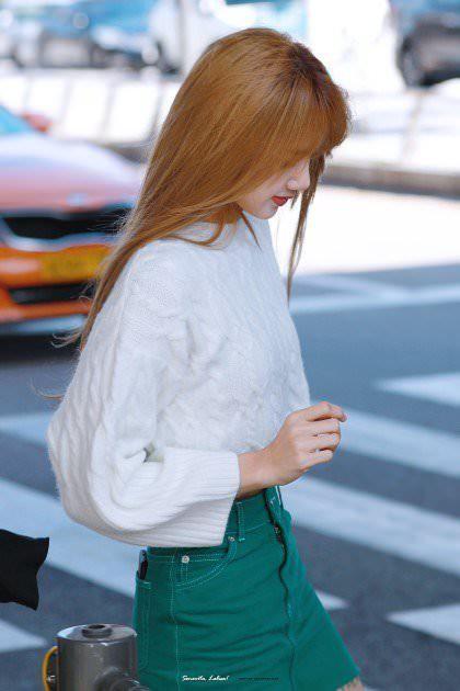 Giữa tâm bão chỉ trích, Jennie đột nhiên được Netizen Hàn Quốc khen đầu có hình đẹp - Ảnh 4.