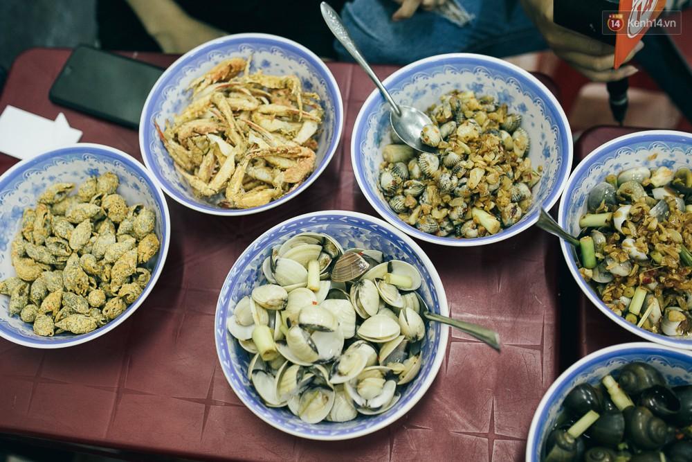 Vừa thuyên giảm được một chút ở Sài Gòn, cơn sốt ốc lại bắt đầu hoành hành trong cẩm nang du lịch danh tiếng dành cho người nước ngoài - Ảnh 4.