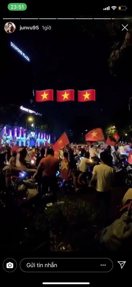Dàn sao Vbiz đang ăn mừng tuyển Việt Nam vào chung kết: Mỗi người một kiểu, ai cũng vui nổ trời! - Ảnh 11.