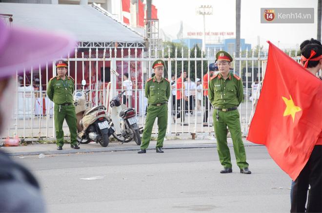 Hà Nội tung hàng nghìn cảnh sát chốt chặn, giữ an ninh trận bán kết lượt về Việt Nam – Philippines