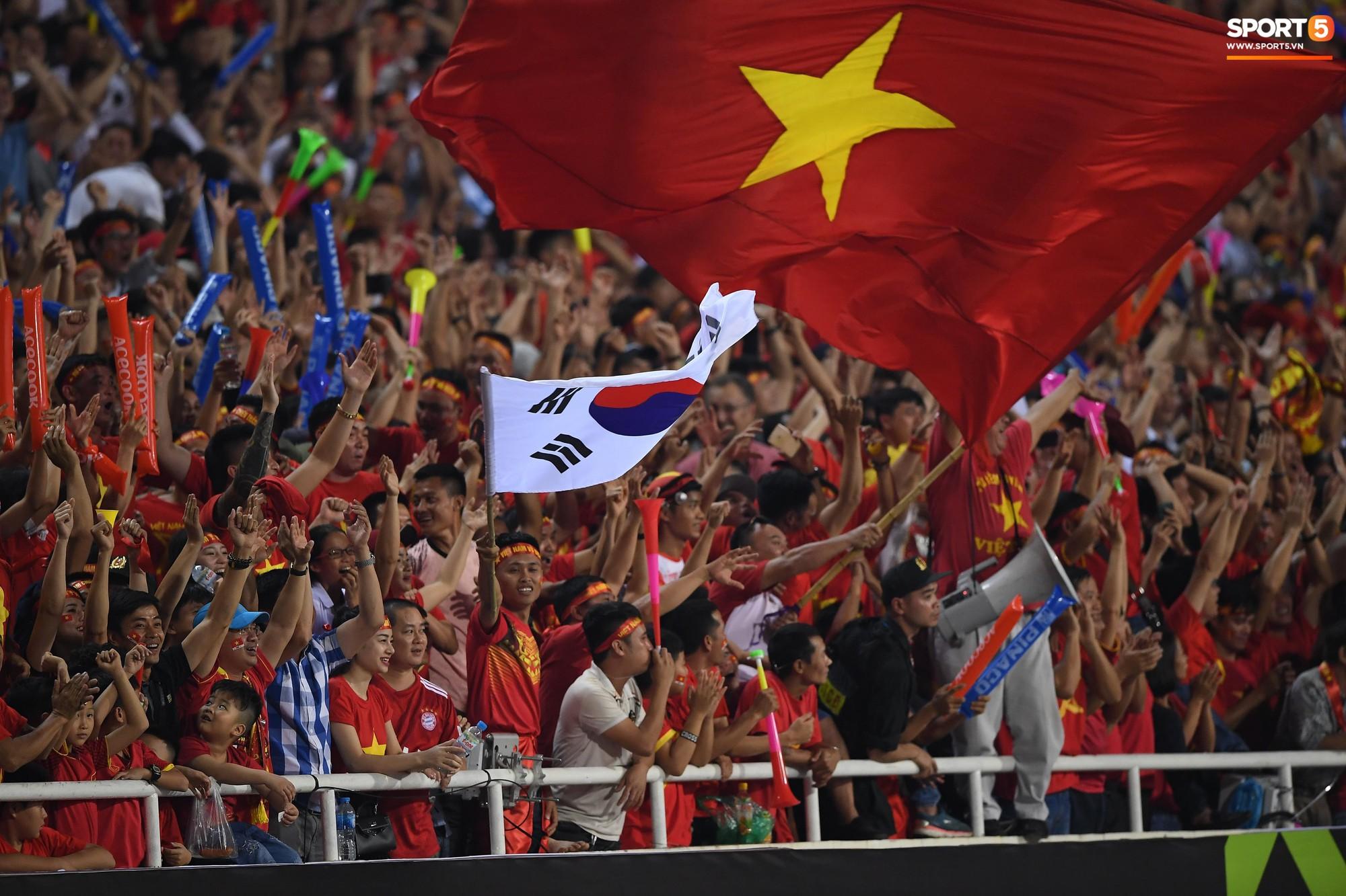 HLV Eriksson ghen tỵ với đội tuyển Việt Nam vì không khí ở chảo lửa Mỹ Đình - Ảnh 1.