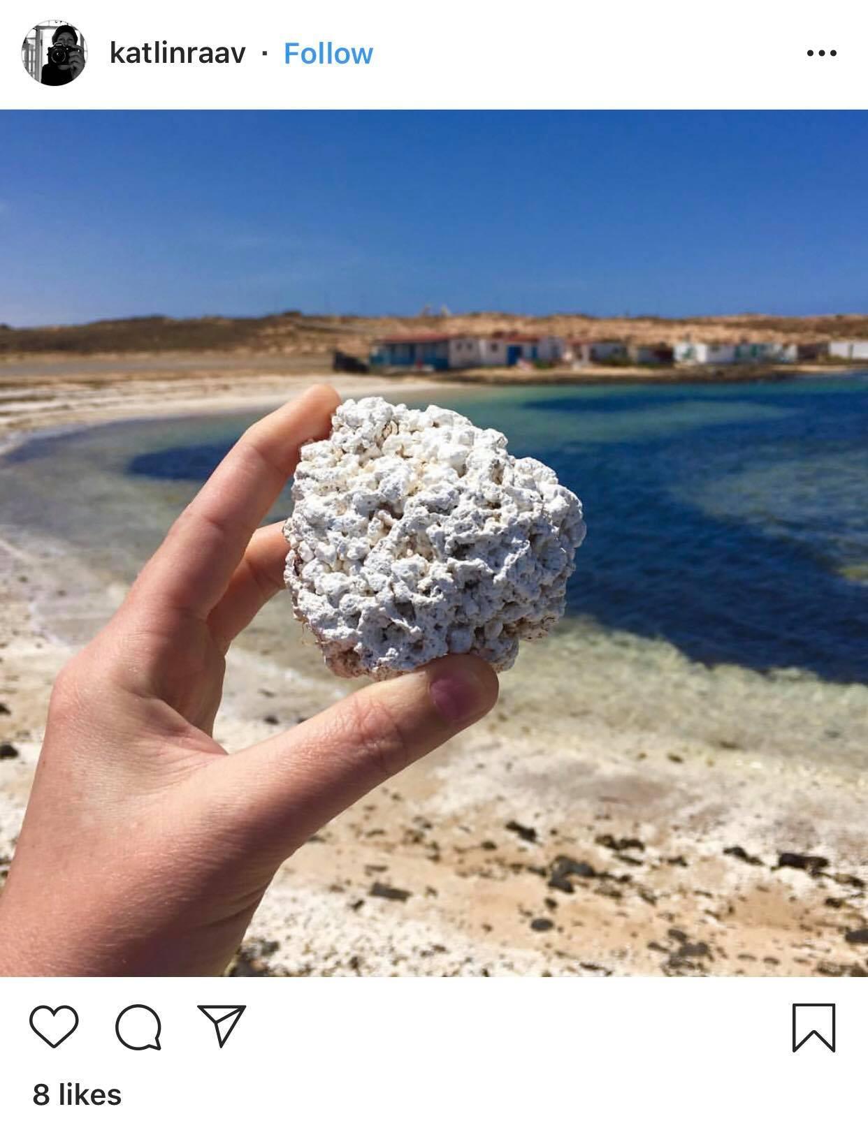 Bãi biển bỏng ngô nổi tiếng tại Tây Ban Nha: Trông hấp dẫn thế thôi chứ cắn vào là gãy răng ngay! - Ảnh 2.