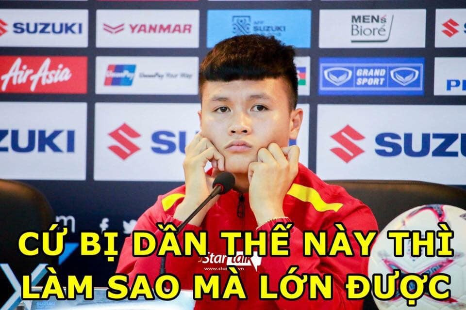 Sau Công Phượng, lại đến hình ảnh Quang Hải kẹp giữa 4 cầu thủ đội bạn lên bàn chế meme của cộng đồng mạng! - Ảnh 6.