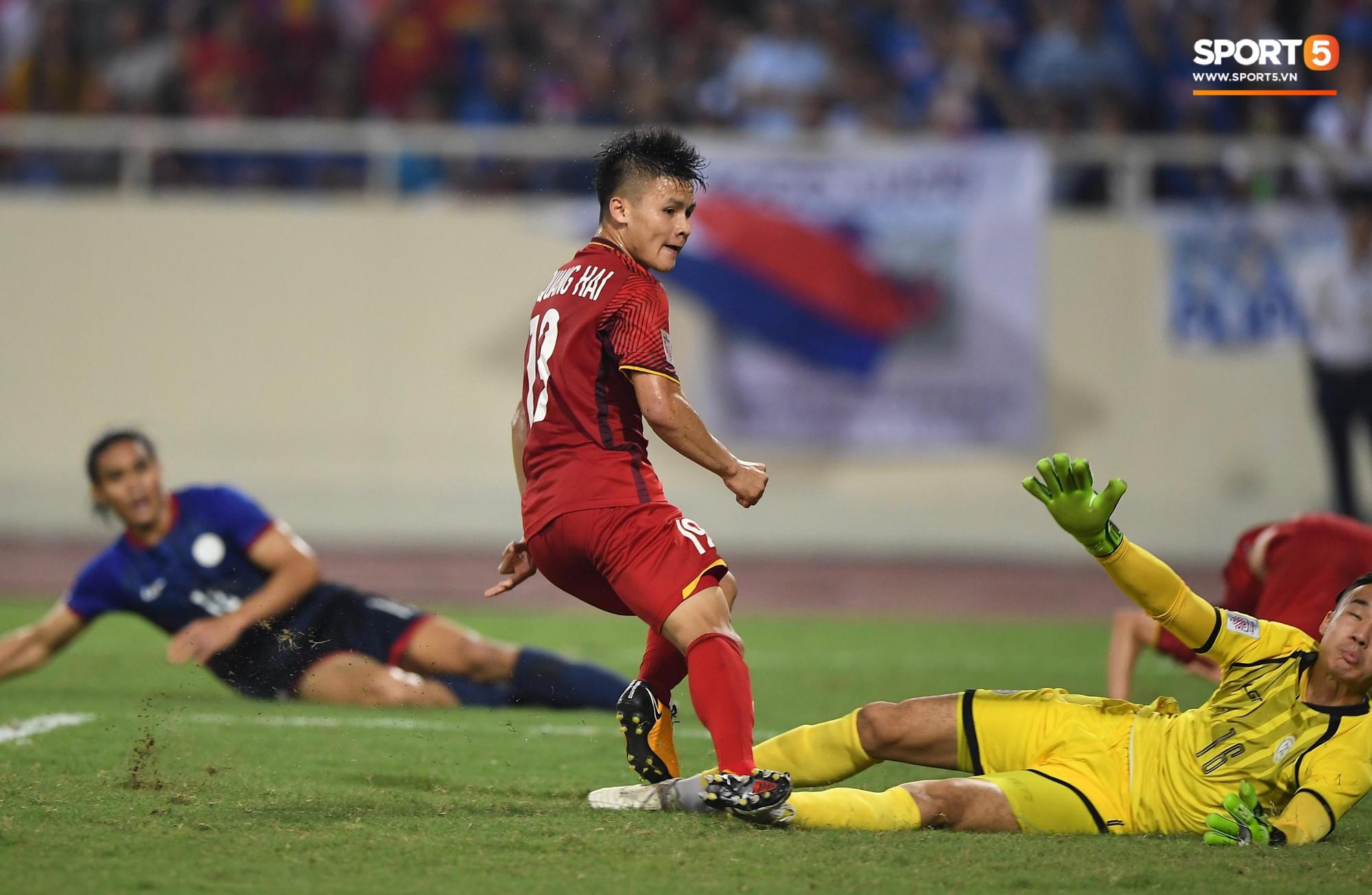 Quang Hải ghi bàn thắng giống hệt tiền bối cùng tên cách đây 10 năm, thêm một dấu hiệu Việt Nam vô địch xuất hiện - Ảnh 3.