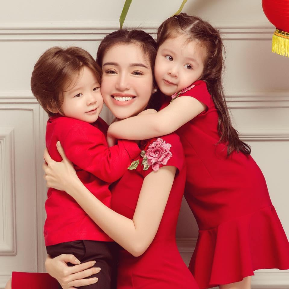 Clip: Con gái Elly Trần khiến dân tình thích thú khi trổ tài thuyết phục mẹ cực khéo léo và dễ thương - Ảnh 3.