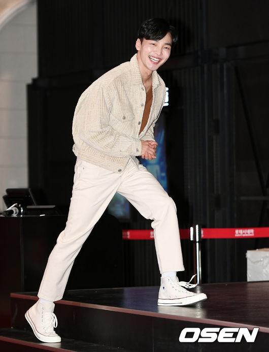D.O. mời 40 sao Hàn đến sự kiện khủng: EXO và Lee Kwang Soo chiếm spotlight, Lee Sung Kyung đọ sắc với dàn mỹ nhân - Ảnh 20.