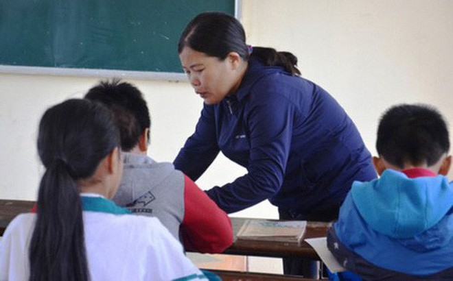 Chủ tịch Hội tâm lý Giáo dục Hà Nội nói về 2 vụ tát học sinh: Việc xin lỗi học trò sẽ làm nhân cách của thầy cô lớn hơn chứ không thấp đi - Ảnh 1.