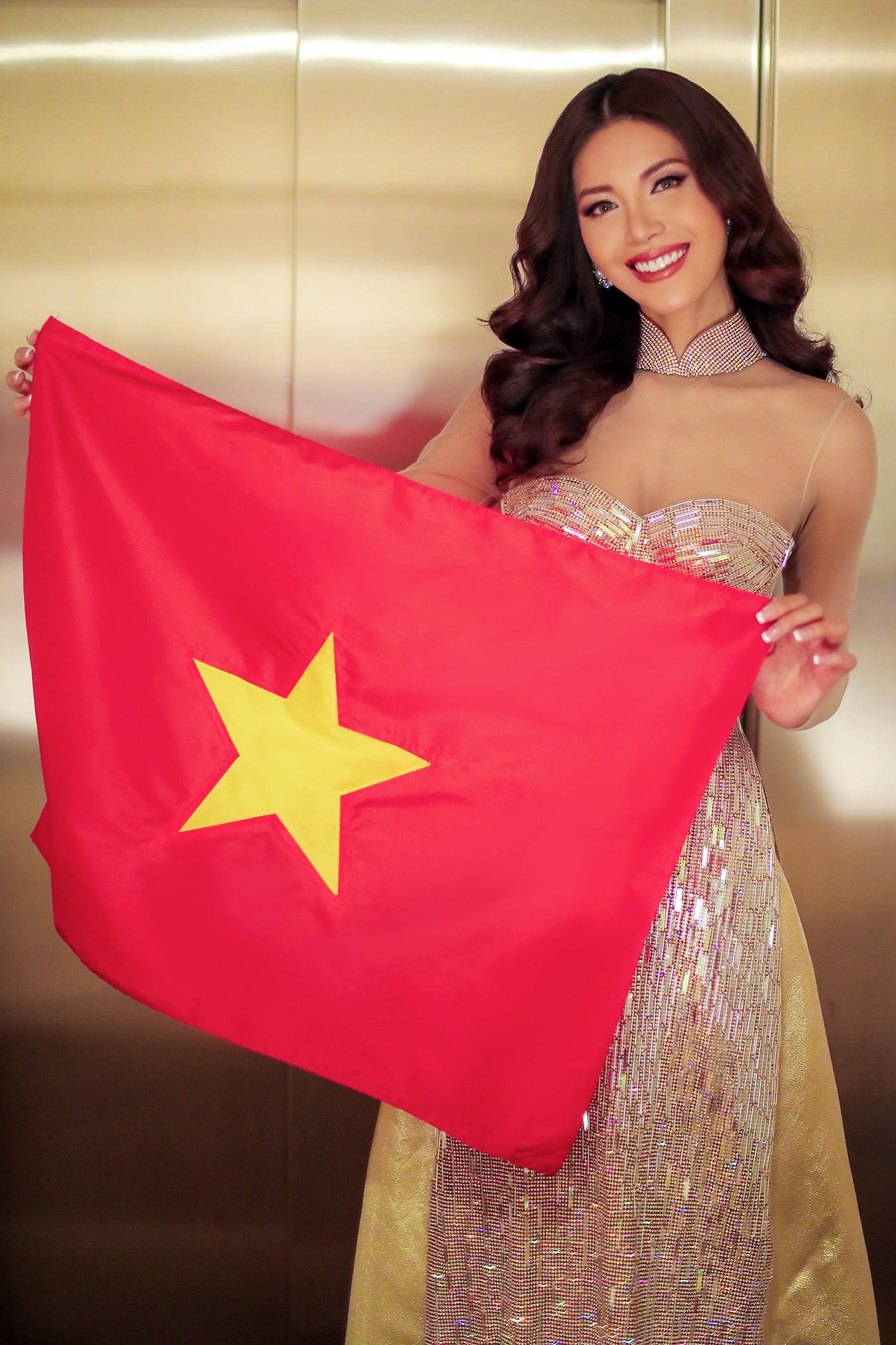 Ba Lan lạnh 0 độ, Minh Tú vẫn cháy hết mình trong buổi tổng duyệt trước chung kết Hoa hậu tối nay - Ảnh 8.