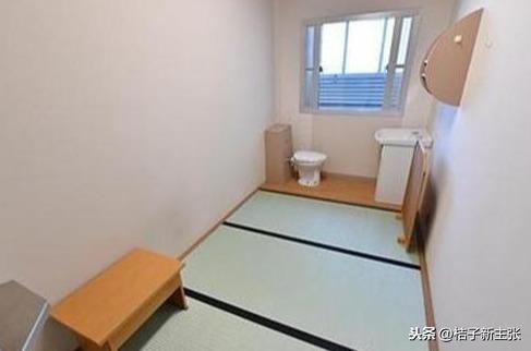 Cuộc sống sinh hoạt của Tưởng Kình Phu sau khi bị bắt: Phòng giam gần 5m vuông, 1 tuần chỉ được tắm 2 lần - Ảnh 5.